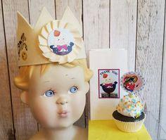 Nursery rhyme birthday,Humpty Dumpty Party, Nursery rhyme crown,Book cupcake…