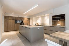 Luxury Kitchen Design, Best Kitchen Designs, Interior Design Kitchen, Open Plan Kitchen Living Room, Kitchen Dinning Room, Cuisines Design, Home Kitchens, Kitchen Remodel, Home And Living