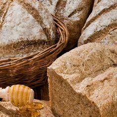 Ψωμί ολικής άλεσης με κύμινο / Whole meal bread with cumin. Λαχταριστό και εύκολο ψωμί ολικής άλεσης με κύμινο! #homemade #homemadebread #wholemeal #wholemealbread #breadrecipes #bread #breadrecipes #greekfood #greekfoodrecipes #greekrecipes #cumin #foodphotography #foodphoto #συνταγές Bread, Food, Breads, Baking, Meals, Yemek, Sandwich Loaf, Eten