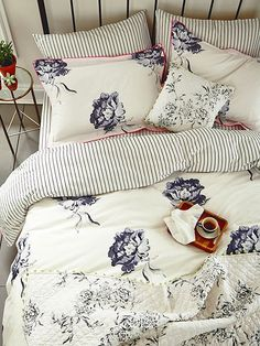 Joules Monochrome Regency Floral bedlinen with the London in Bloom quilted cushion and throw White Bedroom, Dream Bedroom, Master Bedroom, Bedroom Decor, Bedroom Ideas, Bedroom Inspiration, Awesome Bedrooms, Beautiful Bedrooms, Boudoir