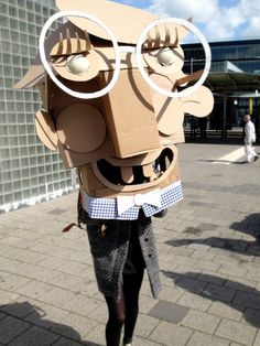 Making faces @ WDKA Illustration | The Arts Board of Cardboard