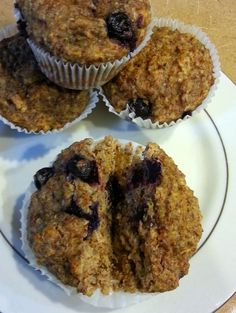 Lemon Blueberry Power Muffins with greek yogurt, quinoa, flax and chia seeds. No white flour, no sugar. Protein Foods For Kids, Blueberry Power Muffins, Breakfast Muffins, Something Sweet, Kids Meals, Good Food, Lemon, Cooking Recipes, Snacks
