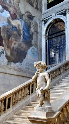 Staircase at Ca Sagredo Hotel in Venice • original source not found
