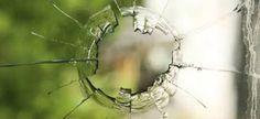 Hiermee kan ik een beetje zien hoe het gebroken glas in het raam er uit moet zien