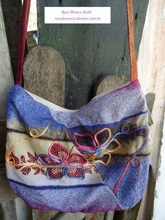 Mais uma bolsa de retalhos de viscose Visite: rosabranca.divitae.com.br Fashion, Quilts, Bag, Atelier, Moda, Fashion Styles, Fashion Illustrations