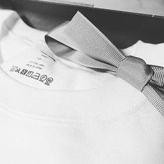10YC | 10YCは透明性、品質、持続性、この3つにこだわって、着る人も作る人も豊かにします。