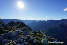 Vista del Valle de Teverga desde la Sierra de Caranga (Proaza).   #asturias #asturiasparaisonatural #paraiso #paradise #horreo #pueblo #rural #rural_love #turismo #pueblosmagicos #naturaleza_asturias #photonature #photographer #photography #photo #fotografia #fotos #naturaleza #mountain #mountains #montaña #arboles #landscape #landscaper #paisaje #españa #spain