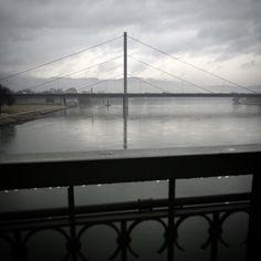 Ein letztes Foto von der Eisenbahnbrücke in Linz. Wart ihr schon mal dort? Instagram Posts, Travel, Pictures, Linz, Viajes, Destinations, Traveling, Trips