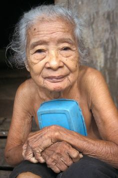 Old woman from the Iban tribe, Sarawak.