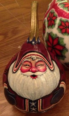 Painted gourd Santa by Cindy Johnson Hand Painted Gourds, Decorative Gourds, Christmas Deco, Christmas Ornaments, Christmas Snowman, Gourds Birdhouse, Santa Face, Christmas Paintings, Gourd Art