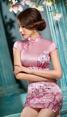 New Winter Chinese Traditional Dress Silk Satin Cheongsam Print Stand Collar Cap Sleeve Qipao Dresses Short Style Dress T's media statistics and analyticsShe wears satin and invites me🌾🌹👄 Pixgallery CaGorgeous and so fitting/tight Oriental Dress, Lingerie Fine, Cheongsam Dress, Beautiful Asian Women, Up Girl, Sexy Asian Girls, Asian Style, Ao Dai, Traditional Dresses
