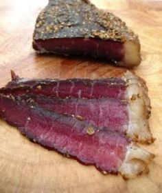 Last weekend, myself and my OH decided to dust off the biltong maker and have a go at producing South Africa's national, and much beloved,… Charcuterie, Chorizo, Snack Recipes, Cooking Recipes, Snacks, Meat Shop, Biltong, South African Recipes, Dehydrator Recipes