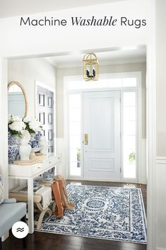 Your entryway is one of the first things people see when they come to your home, so it never hurts to decorate your entryway or foyer to make a good first impression. Home Living Room, Living Room Decor, Living Spaces, Interior Decorating, Interior Design, Florida Home, White Decor, Decoration, Home Remodeling