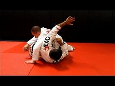 Escape from side control. This week Master Ricardo Cavalcanti answers a viewer's question about how to escape from side control.   If you have any questions or suggestions for future videos please leave a comment below or e-mail Master Ricardo cavalcantibjj@gmail.com  This video is also available in spanish - http://youtu.be/PaYiLWFoNiE  For more visit rcjiujitsu.com