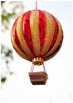 Turn a basic plastic ornament into a truly whimsical homemade Christmas decoration with this tutorial! We've never seen anything quite like this Hot Air Balloon Ornament, which makes it one of our favorite Christmas ornament crafts! Diy Christmas Ornaments, Homemade Christmas, Holiday Crafts, Christmas Decorations, Ornaments Ideas, Dough Ornaments, Homemade Ornaments, Felt Christmas, All Things Christmas