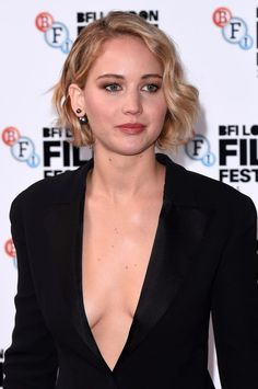 https://i2-prod.mirror.co.uk/incoming/article4432784.ece/ALTERNATES/s1227b/Jennifer-Lawrence-at-Serena-premiere-58th-BFI.jpg