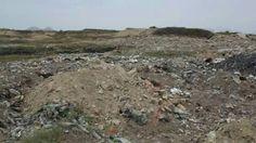 Ruta de Ingreso a la Zona Arqueológica El Médano.  Debido a que se arroja basura y desmonte, esta zona y sus alrededores se encuentra contaminado.