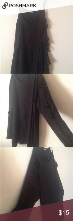 Tilly Open Arm Black Long Sleeve Top BooHoo Black Tilly Open Arm Long Sleeve Top. UK size 22, EUR size 50, US size 18. Boohoo Plus Tops