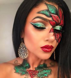 Glitter, glam Christmas makeup Vibrant red glitter Poinsettia, green and gold glitter cut crease, pretty makeup holiday inspired. Original Artist Indira Y. New Year's Makeup, Eye Makeup Art, Crazy Makeup, Glam Makeup, Pretty Makeup, Eyeshadow Makeup, Christmas Makeup Look, Holiday Makeup Looks, Winter Makeup