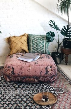 High Street Heroes: French Connection - Mad About The House Living Pequeños, Boho Living Room, Living Room Decor, Bohemian Living, Living Rooms, French Connection Home, Boho Cushions, Large Floor Cushions, Outdoor Floor Cushions