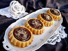 Juditka konyhája: MOGYORÓVAJAS - CSOKIS MINI TORTÁCSKÁK Minion, Waffles, Cheesecake, Muffin, Low Carb, Sweets, Snacks, Cookies, Baking