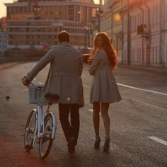 Find Valentine's day ideas, inspiration for a romantic getaway for couples or singles. See the best and most romantic destinations to visit during the special day. Walk Together, Couple Photography, Fashion Photography, Photography Settings, Photography Ideas, Cute Couples, Walking, Romance, Hipster