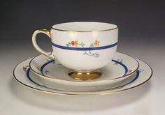 Vintage-Paragon-China-Stylised-Flower-Cup-Saucer-amp-Tea-Plate-Trio-Art-Deco