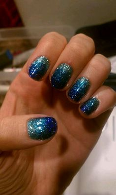 Shellac nails with pressed on loose glitter