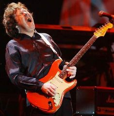 "Gary Moore playing ""Red House"" by Jimmy Hendrix! He's my fave guitar player in the world! R.I.P"