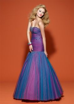 This dress sort of reminds me of one I had for Barbie