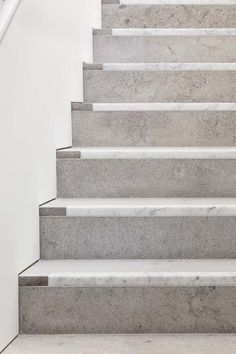 David Chipperfield Architects completes London outpost of Bastian gallery – Architectural Autocad Stair Handrail, Staircase Railings, Staircase Design, Staircases, Architecture Details, Interior Architecture, Architecture Tools, Vernacular Architecture, Architecture Awards