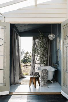 Country Style Magazine, Clad Home, The Burrow, Mad About The House, Monday Inspiration, Bathroom Inspiration, California Bungalow, Seaside Holidays, Victorian Terrace