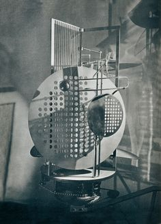 Laszlo Moholy Nagy, Photography Themes, Famous Photography, Bauhaus Design, Kinetic Art, Light And Space, Photoshop, Light Art, Op Art