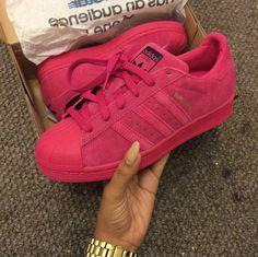 Pink suede Flache Schuhe, Adidas Schuhe, Turnschuhe Nike, Schuhspiel,  Absatzschuhe, Slipper 960bb0de41