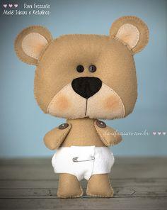Ursinho de feltro | Ele tem 20cm de altura. Costurado em fel… | Flickr