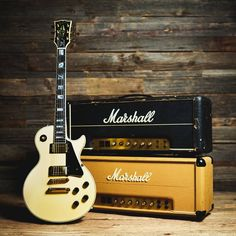 Look at these les paul gibsons. 1275 Look at these les paul gibsons. Cheap Electric Guitar, Beginner Electric Guitar, Cool Electric Guitars, Gibson Les Paul, Guitar Online, Les Paul Guitars, Rare Guitars, Vintage Guitars, Guitar Photos