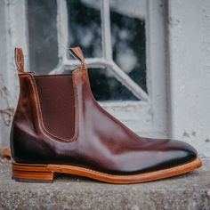 Williams Chinchilla Chelsea boot in Bordeaux. Leather Heels, Red Leather, New Shoes, Men's Shoes, Rm Williams, Shoe Horn, Shoe Tree, Chinchilla, Dress With Boots