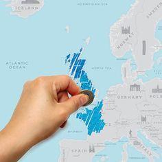 Luckies Scratch Map Europa  Description: Verzamel je kaarten die je hebt verstuurd vanaf al je vakantiebestemmingen? Of hangt je hele huis vol foto?s van je wereldreis? Dat hoeft nu niet meer: op de Scratch Map Europa kan je aangeven in welke Europese landen je allemaal al bent geweest. Inclusief leuke feiten over Europese gebruiken en bezienswaardigheden.  Price: 18.95  Meer informatie