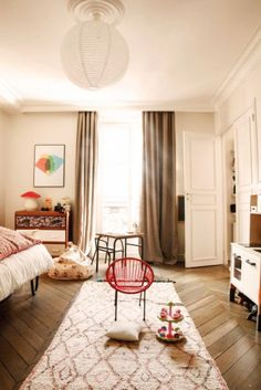 Caroline Gayral of Fragments Paris mixes Moroccan treasures with intriguing art and Baroque French décor.