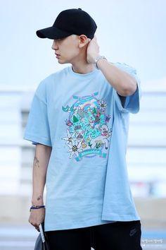 Park Chanyeol Exo, Kpop Exo, Baekhyun, Exo Korean, Music Genius, Chanbaek, Airport Style, Airport Fashion, Street Wear