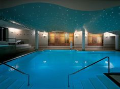 Alberca en el Laussane Palace & Spa, Suiza.