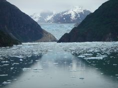 A great view of a magnificent glacier in Alaska. I heard that this glacier has greatly diminished since 2005.
