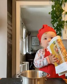 Cute Funny Baby Videos, Cute Funny Babies, Funny Videos For Kids, Funny Kids, Cute Kids Pics, Cute Love Pictures, Baby Cooking, Cooking Food, Cartoon Songs