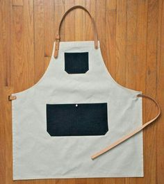 Duck Canvas & Selvedge Pocket Apron Made in by AmericanNative Cool Aprons, Aprons For Men, Clothes Words, Cafe Uniform, Barber Apron, Leather Apron, Apron Designs, Apron Pockets, Kitchen Aprons