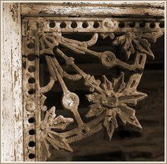 wrought iron lace corner bracket