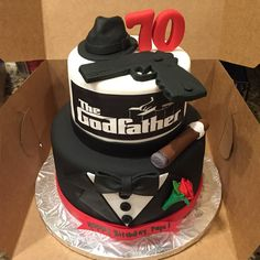 34 Movie-Inspired Cakes All Film Fans Will Appreciate Elegant Birthday Cakes, 40th Birthday Cakes, 20th Birthday, Mafia Theme Party, Bolos Cake Boss, Movie Cakes, Cakes For Men, The Godfather, Creative Cakes