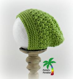 Dress your little holiday helper up in the adorable Little Helper Crochet Elf Hat. This easy crochet hat pattern is worked in the round in the half double crochet stitch, making it a fast project to complete. Easy Crochet Hat Patterns, Crochet Basket Pattern, All Free Crochet, Double Crochet, Crochet Stitches, Knitting Patterns, Crochet Santa Hat, Crochet Hats, Elf Hut
