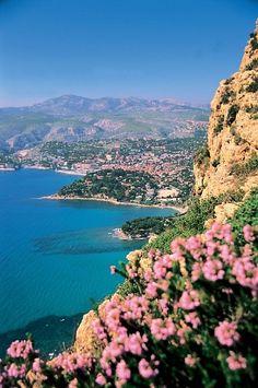 Cassis, Cote d'Azur   PicsVisit