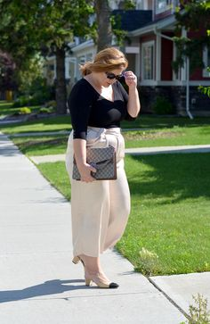 Creamy culottes, classic outfit, Chanel sling backs, Gucci Dionysus bag, plus size, curvy fashion blogger,