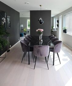 Contrasting dark and light hues create mor dimension.The clear decluttered space feels larger.Chair top (not leg) style for dining roomBildet tilhører/ Picture belongs tDark walls with light floors.Interior of your dreams ✨ (Modern Dining Room Cha Interior Design Living Room, Living Room Decor, Dining Room Design, Dining Room Modern, Small Dining, Home And Living, Modern Living, Condo Living, Room Inspiration